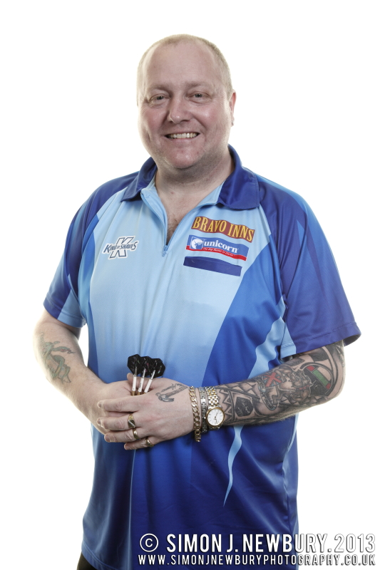 Andy 'The Hammer' Hamilton portrait photograph. Darts professional photography