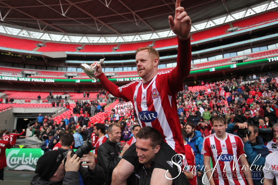 FA Vase 2014 Final. Sholing v West Auckland. Wembley Stadium. Cheshire press photography. Cheshire sports photographer