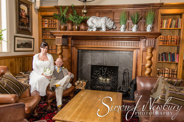 Wedding photographer Crewe Registry office. Cheshire wedding photographer. Bears Paw Warmingham wedding photographer