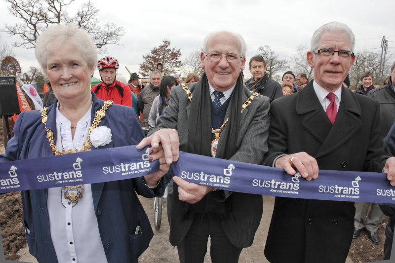 The Mayors of Crewe & Cheshire East cut the ribbon. Press Photography