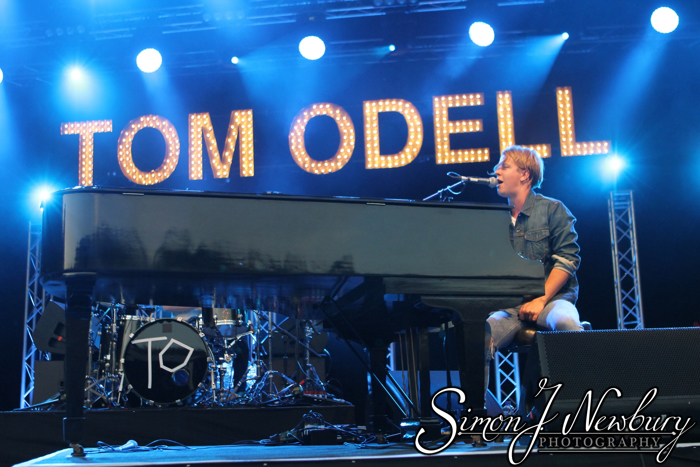 Music Photography: Tom Odell Live at Delamere Forest, Cheshire. Cheshire live music photography. Professional music photography in Cheshire. Delamere live